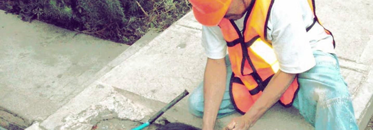Reparaciones de fugas de agua potable o residual tratada
